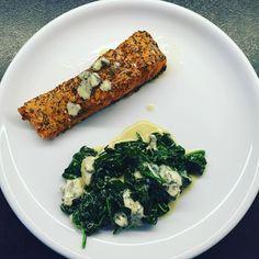 Łosoś z koperkiem szpinak ser kozi <3 #yummy #yummyfood #fitlovers #fitgirl #fitfood #healthychoices #fit #fatgirlproblems #eatclean #healthyfood #healthymeal #foodporn #foodlover #foodstagram #nice #dinnertime #instadinner #gymmotivation #lowcarb by agata.sto