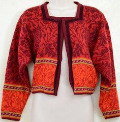 Oleana Cardigan The Norwegia Story Wool Small Velvet No Buttons Estilo Hippie Chic, Hippy Chic, Fair Isle Knitting Patterns, Fair Isle Pattern, Crochet Cardigan, Knit Crochet, Style Wish, My Style, Folk