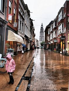 Netherlands Country, Kingdom Of The Netherlands, Oh The Places You'll Go, Great Places, Beautiful Places, Anne Frank, Amsterdam, Dutch People, Rome Italy