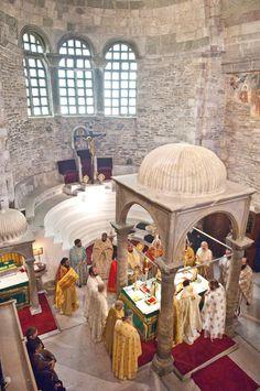 Paroikia, The Holly Church of Panagia Ekatontapiliani.