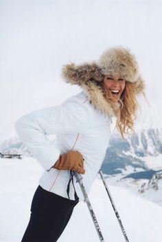 The Vogue Edit: Ski Wear - Apres ski style - Apres Ski Mode, Apres Ski Party, Snow Fashion, Winter Fashion, Fashion 2016, Daily Fashion, Apres Ski Outfits, Apres Ski Fashion, Sporty Fashion