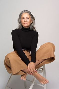 Top Models agency over 40 years old - Paris - SILVER – Top Models Agency over 40 years old – Paris - Mature Fashion, Older Women Fashion, 60 Fashion, Fashion Over 50, Womens Fashion, Fashion Tips, Fashion Trends, Fashion Dresses, Urban Fashion