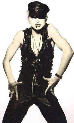 Patrick Demarchelier - Madonna http://msq-photogallery.blogspot.com/2010/09/patrick-demarchelier-session-1.html