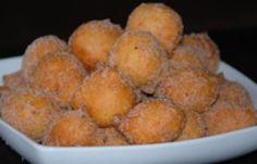 "Brazilian Cinnamon ""Raindrop"" Doughnuts - Bolinhos de Chuva: Brazilian Cinnamon ""Rain"" Doughnuts"