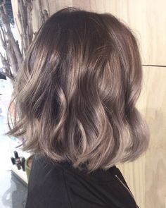 Medium Hair Styles, Curly Hair Styles, Natural Hair Styles, Permed Hairstyles, Cool Hairstyles, Middle Hair, Really Long Hair, Honey Hair, Mid Length Hair