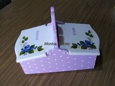 BANDEJAS Y AZUCARERAS MDF - Buscar con Google Covered Boxes, Ideas Para, Baby Shower, Painting, Google, Indiana, Kitchens, Country, Decoupage