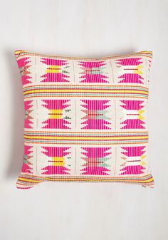 Got My Brights Set on You Pillow. The search for decor that speaks to your bold sensibilities ends with this throw pillow! Vintage Decor, Retro Vintage, Green Wedding Shoes, Inspired Homes, Craft Stick Crafts, Home Decor Furniture, Dorm Decorations, Home Gifts, Decorative Accessories