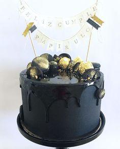 • Black & Gold • ✨ con macarons, gemas de chocolate, ferreros y oreos…
