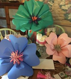 Diy pinwheel diy flower wall and paper pinwheel cumple de cami made giant flowers out of wrapping paper construction paper and card stock giant flowersdiy mightylinksfo