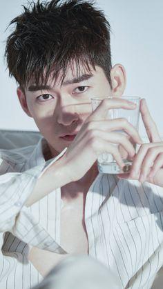 Zhang han 张翰 cr。@张翰工作室 Handsome Actors, Asian Actors, Actor Model, Asian Beauty, Actors & Actresses, Idol, Drama, Guys, My Love