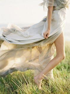Mit den Fußspitzen durch den Morgentau spazieren