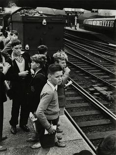 Train Spotters, Trainspotting, Roger Mayne, London Paddington station, 1957,