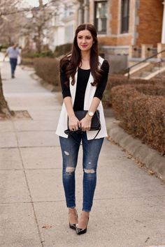 Styling a Sleeveless Blazer fall coats for women Look Blazer, Blazer Outfits, Casual Outfits, Sleeveless Blazer Outfit, White Vest Outfit, Look Fashion, Autumn Fashion, Fashion Outfits, Dressy Casual Outfits