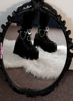 You are in the right place about grunge goth wallpapers Here we offer you the most beautiful picture Dark Fashion, Grunge Fashion, Gothic Fashion, Fashion Shoes, Grunge Outfits, Edgy Outfits, Aesthetic Shoes, Aesthetic Clothes, Bottes Goth