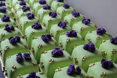Versailles Cakes