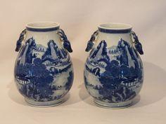 Paar Vasen, China, um 1900 mit Hirschkopfhenkel, H. 37cm