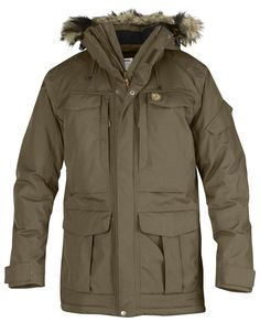 Product Details Large winter parka with synthetic lining that effectively keeps out the wind, rain and winter temperatures. Many practical pockets, a detachable fleece-lined hood and artificial fur ed