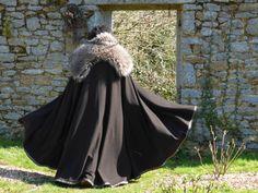 Lordly medieval cloak for men by FeeFilochee on Etsy