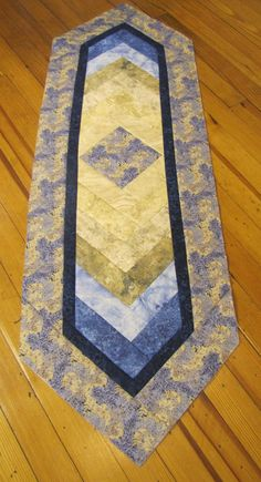 Braid Quilt Pattern Table Runner : 1000+ images about Quilts - French Braid on Pinterest French braids, Table runners and Table ...