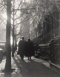 Born in 1905 and raised in Detroit, American street photographer Todd Webb led an adventurous life.