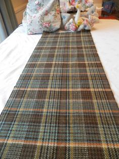 BN 100% Wool Remnant In A Sherlocky Brown & Orange Check