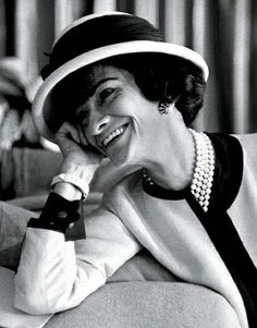 The name Coco Chanel simply is fashion. Born Gabrielle Bonheur in 1883 in Saumur, France, Coco was raised in orphanages where the nuns taught how to sew, a s. Citation Coco Chanel, Coco Chanel Quotes, Chanel Nº 5, Moda Chanel, Vintage Chanel, Chanel Brand, Chanel Couture, Chanel Paris, Vintage Wear