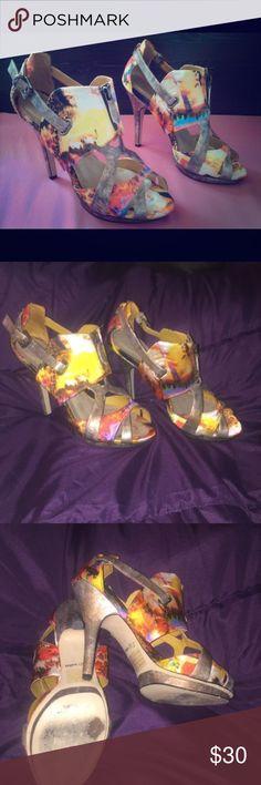 Amazing iridescent geometric heels! ☀️☄️ Amazing iridescent geometric heels! ☀️☄️ worn once, only wear is on heels, perfect condition! Zigi Soho Shoes Heels