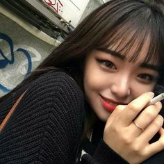 Image in Asian girl collection by Always_GG on We Heart It Pretty Korean Girls, Cute Korean Girl, Asian Girl, Pretty Asian, Smoking Ladies, Girl Smoking, Ullzang Girls, Cute Girls, Korean Bangs
