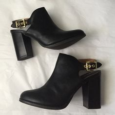 MIA buckle Mule! MIA black buckle Mule! 3.5 inch heel! Black with gold tone buckle! Very in style Mule! Gently used great condition! MIA Shoes Mules & Clogs