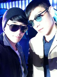 Big Bang's Seungri shares a photo with T.O.P in China