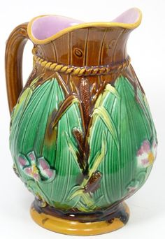 majolica pottery | 305 - MAJOLICA POTTERY PITCHER CATTAIL AND FLORAL