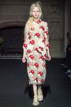 Simone Rocha Fall 2015 Ready-to-Wear - Collection - Gallery - Style.com