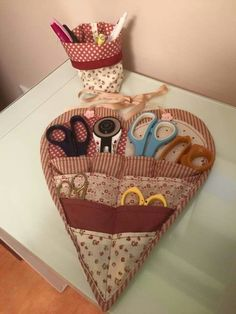 , To measure self Weve just started sewing, were enthusiastic, weve seen it everywhere, the me Sewing Art, Sewing Tools, Sewing Notions, Sewing Hacks, Sewing Tutorials, Sewing Crafts, Bag Patterns To Sew, Sewing Patterns Free, Small Sewing Projects