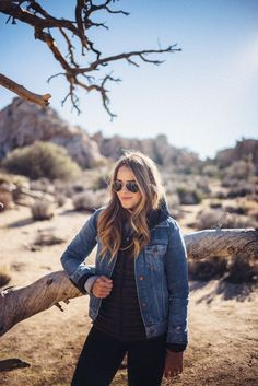 Gal Meets Glam Joshua Tree - Madewell Denim Jacket, Patagonia Fleece, Lulu Lemon Leggings, Ray-Ban Aviators