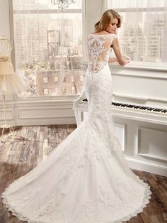 Nicole Spose Masy A Dramatic Low Back Illusion And Lace Detailed Gown NicoleSpose