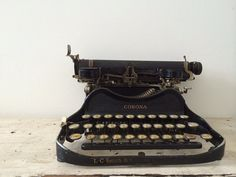 Vintage Corona Folding Typewriter by AdellaidE