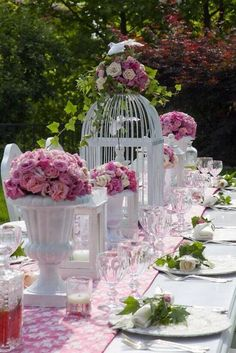 Oh,My!Everything I LOVE!Pink,green &white(the Holy Trinity in my world!),Roses,Ivy,& Birds! Prettiest table ever! Courtesy of The Pastel Corner