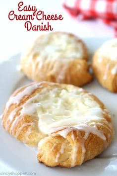 We use crescent rolls to make this super Easy Cream Cheese Danish. Perfect for simple on the go breakfast. Great for brunches and desserts too! Easy Cream Cheese Danish My kiddos are headed back to Easy Cream Cheese Danish Recipe, Cream Cheese Crescent Rolls, Easy Cream Cheese Desserts, Crescent Roll Cheese Danish Recipe, Easy Danish Recipe, Crescent Roll Recipes, Croissant Danish Recipe, Danish Recipe Using Crescent Rolls, Cinnamon Danish Recipe