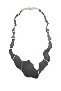 Monsieur necklace in sterling silver and plastic by Justine Gagnon, EJM.