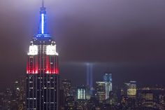 The Tribute in Lights is seen from the Top of the Rock observation deck as it is illuminated over the skyline of lower Manhattan during events marking the 10th anniversary of the 9/11 attacks on the World Trade Center in New York, September 11, 2011. REUTERS/Lucas Jackson (UNITED STATES - Tags: ANNIVERSARY DISASTER CITYSPACE)
