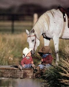 Lil cowboys - - - I can't resist these baby cowboy photos. Not when they're this cute. Little Cowboy, Cowboy And Cowgirl, Little Boys, Cowboy Baby, Camo Baby, Animals For Kids, Cute Animals, Horse Love, Beautiful Horses