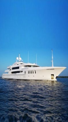 Super Luxury Yacht Bacarella