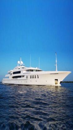 Super Luxury Yacht Bacarella
