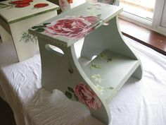 hand painted furniture.. just gorgeous!
