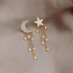 Gold Arc Ear Jackets- ear jacket earrings/ minimal ear jackets/ gold ear jacket/ ear cuff/ dainty ear jacket/ gifts for her/ birthday gift - Fine Jewelry Ideas Ear Jewelry, Womens Jewelry Rings, Cute Jewelry, Women Jewelry, Jewelry Bracelets, Jewlery, Gold Jewelry, Jewelry Accessories, Simple Jewelry