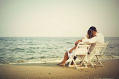 beach-love-couple-hd-wallpapers-widescreen-desktop-beach-love-cool-images