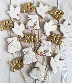 Sugar Cookie Icing, Sugar Cookies, Easter Cookies, Holiday Cookies, Cookie Decorating Icing, Spice Cookies, Sugar And Spice, Holiday Baking, No Cook Meals