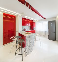 minimalist kitchen with marble countertop, fronts from glossy MDF in marsala color, push-to-open systems for door orders/price offers at: office Minimalist Apartment, Minimalist Kitchen, Marble Countertops, Marsala, Kitchen Dining, My Design, Doors, Interior Design, Furniture