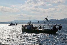 http://guias-viajar.com/ Barco de pesca en Palamós en el Bajo Ampurdán en la Costa Brava