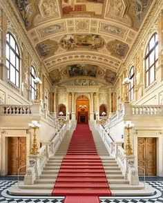 """6,514 curtidas, 29 comentários - Vienna (@vienna_austria) no Instagram: """"The Burgtheater (constructed between 1874 and 1888) was the last of the magnificent buildings…"""""""